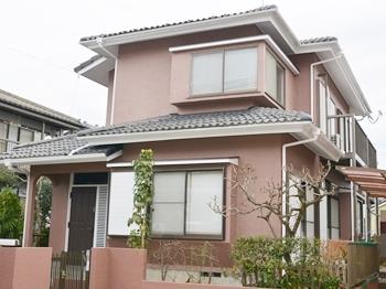 外壁は、遮熱性に優れた塗料で、室内の温度上昇を和らげます。塗膜の劣化防止メカニズムでキレイが長持ち!