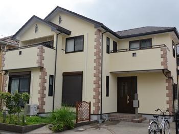 外壁は、低臭タイプでかびや汚れの付着を抑え、長期にわたって美観を保ちます。屋根は、クリヤー仕上げで高耐候性に優れています。