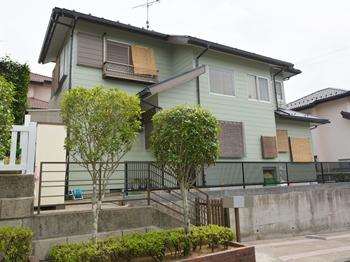 外壁はセラミック複合の特殊技術により、汚染防止に優れた塗料を使用しています。屋根は、紫外線などの劣化を防ぎ、耐候性に優れます。