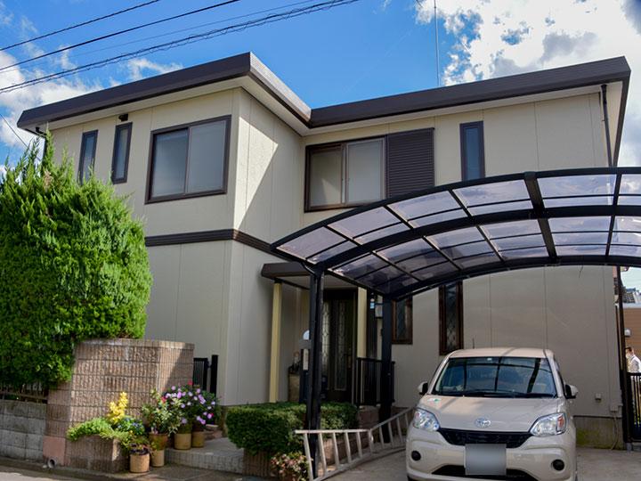 外壁に使用した塗料は、優れた透湿性を発揮し、熱膨れの原因となる水分を効率的に排出する機能があります。