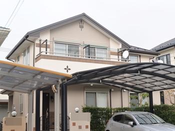 外壁は、コンクリートやタイル面をしっかり保護してくれる塗料を使い、施工しました。