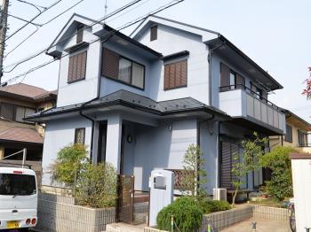 高耐候性を有した外壁塗料を塗布しました。耐久性、耐汚染性を兼ね備えた屋根塗料仕様。