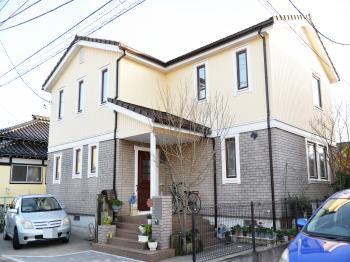 外壁や屋根に【良い塗料】を使っても、付帯が早く傷んでは意味がありません。だからこそ私たちは付帯にフッ素塗料をご提案しています。