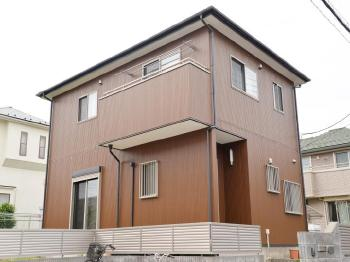 バルコニー床にはトップコートを。外壁や屋根塗装以外にも建物の状況に合わせてご提案します。