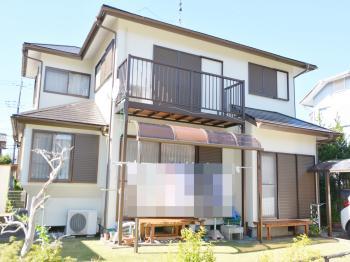 刺激臭も少なく、環境に優しい屋根塗料。優れた浸透力で素地にクサビ効果を発生し、高い密着性を発揮します。
