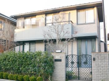 汚れが付きにくく、柔軟性を兼ね備えた仕様材料。特に戸建て住宅の改修に適しています。様々な特長により塗替え時の美しさを永く保ちます。